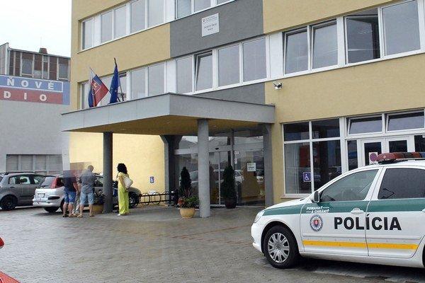 Daňový úrad v Košiciach. Jednu kontrolórku už obvinili, ďalšie obvinenia zrejme ešte pribudnú.