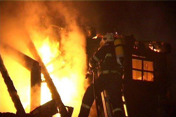 Košickí hasiči likvividovali dva požiare.
