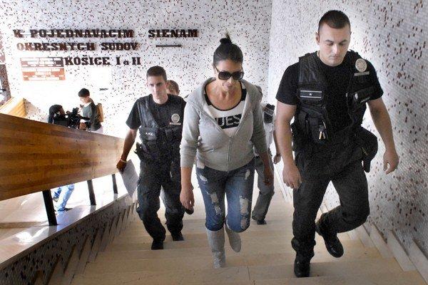 Košická podnikateľka Nora Mojsejová si dnes vypočula verdikt o vyšetrovacej väzbe.