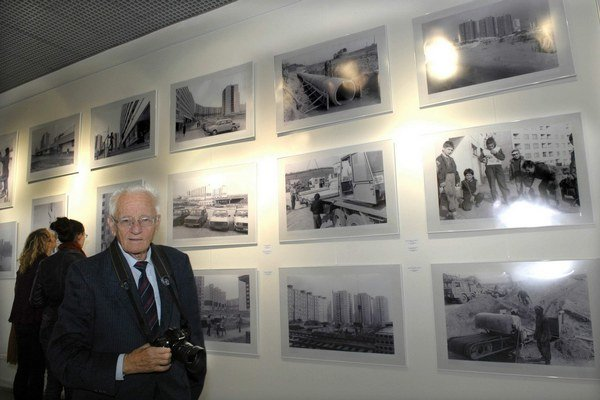 Fotograf a jeho diela. Pripomenúť si vznik sídliska môžete aj výstavou.