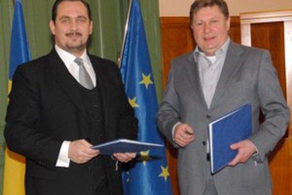 Roland Menygyi a Zdenko Trebuľa. Župani sa chcú zasadiť aj o rýchlejšie dobudovanie celej rýchlocesty Košice-Miskolc.