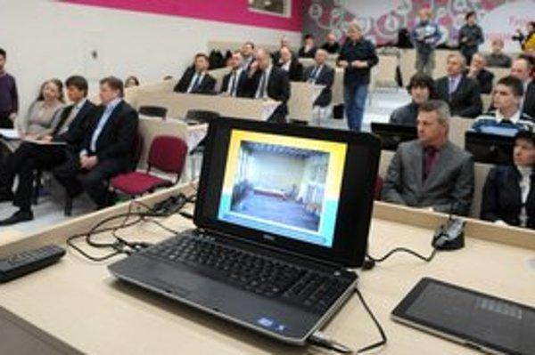 Nové laboratórium informačných technológií otvorili v stredu v Strednej priemyselnej škole elektrotechnickej.