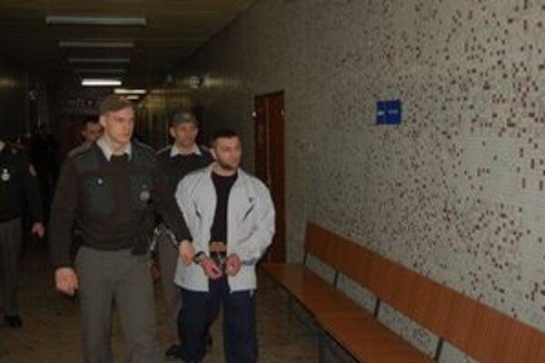 Ali Ibragimov. Podľa aktivistov u neho dlhá väzba spôsobuje psychické problémy.