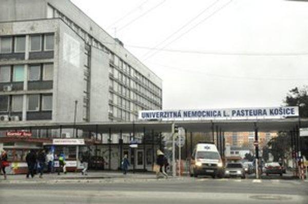 Univerzitná nemocnica dlhuje 40 miliónov eur. Uskutočnila viacero opatrení, ďalšie pripravuje.
