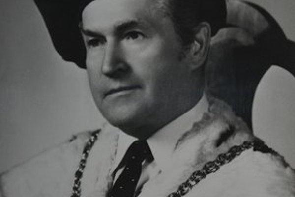 E. Matejíček
