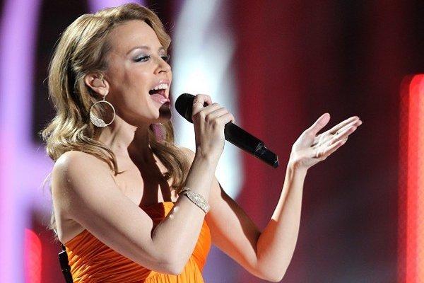 Kylie Minogue vystúpila na oficiálnom koncerte Nobelovej ceny na počesť EÚ v Oslo v roku 2012.