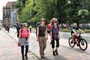 Cestovný ruch. Turistom sa v Košiciach páči, ale zdržia sa len krátko.