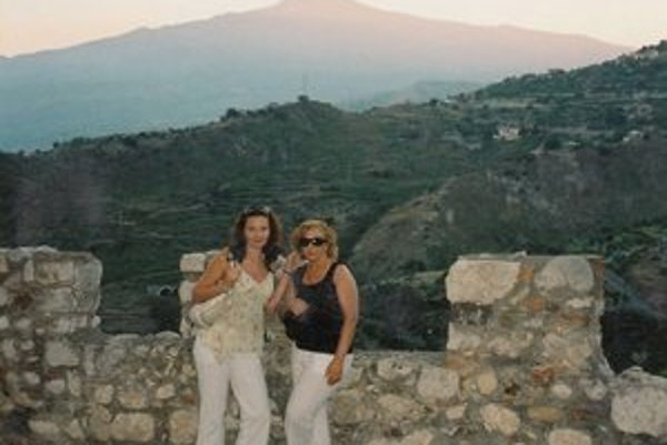 Pod Etnou s dcérou Petrou, ktorá žije na Sicílii.