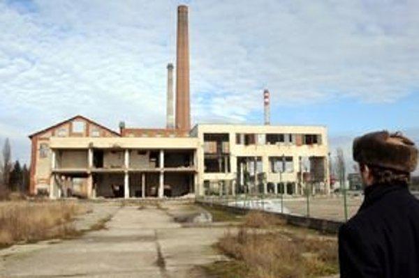 Bývalý cukrovar. Tu chceli obžalovaní podnikatelia stavať elektráreň.