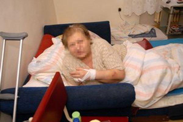 Dôchodkyni šlo o život. Útočník jej spôsobil tri rezné rany.