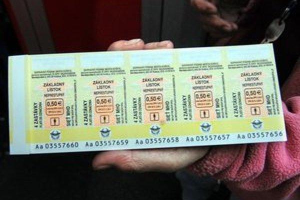 Na 4 zastávky. Od 1. januára sú o 10 centov drahšie.