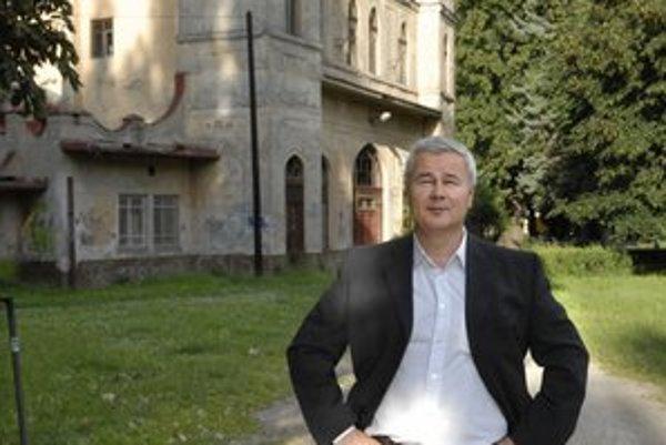 Dušan Mach