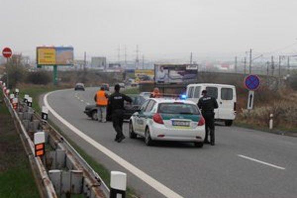 Cesta pri Pereši je nehodovým úsekom. Aj včera tam riešili kolíziu.