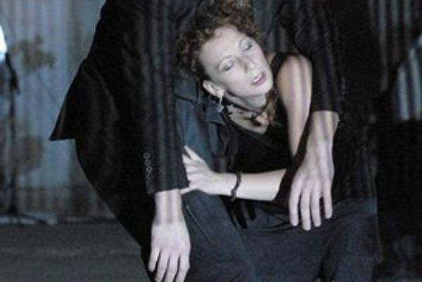 Divadlo Na peróne. Vďaka vlastnému divadelnému jazyku účinkujú Košičania na mnohých divadelných festivaloch.