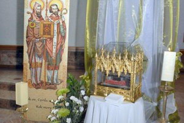 Vzácna relikvia. Dnes bude v Krásnej, zajtra v Dóme sv. Alžbety.