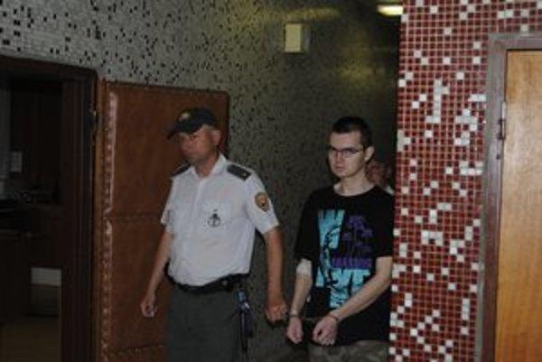 """""""Terorista"""" ostáva vo väzbe. Znalci skúmajú jeho duševný stav"""