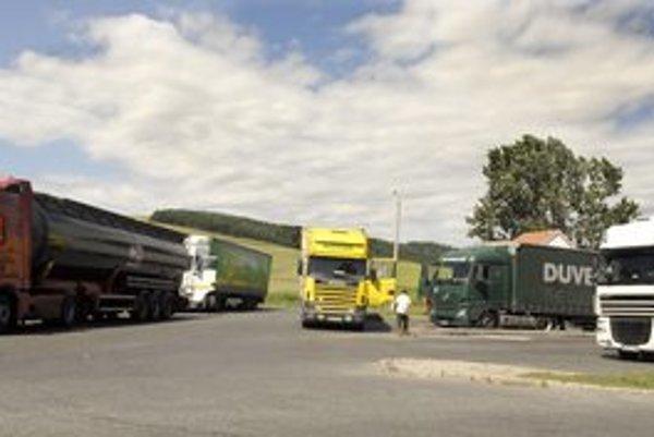 Vodičov kamiónov je vraj málo. Štát to chce zmeniť.