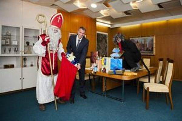 Primátor Raši je na Vianoce dobre pripravený.