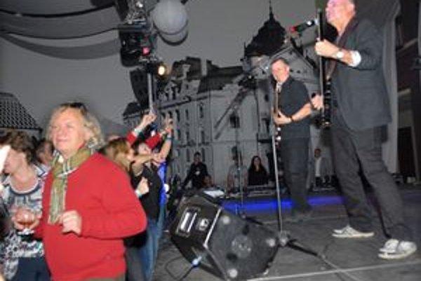 Jožo Ráž. S ostatnými členmi kapely to roztočí v sobotu.