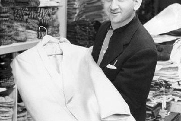 Bernard Lansky otváral obchod pre Presleyho aj v noci, aby sa vyhol fanúšikom.