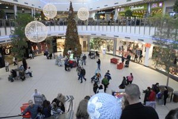 Nakupovať sa nebude. Všetky obchody zostanú v prvý vianočný deň zatvorené.