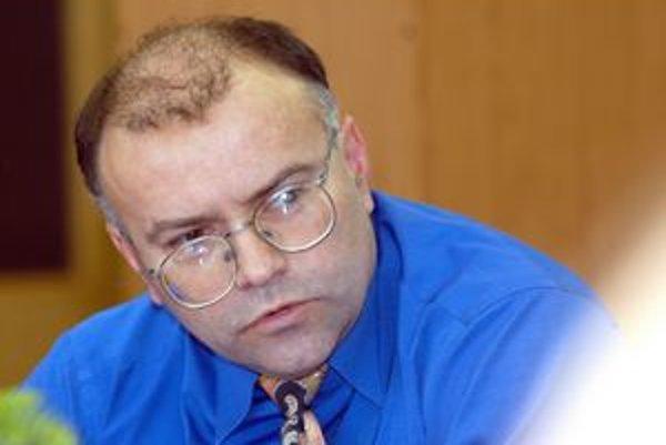 Ladislav Vozárik (SDKÚ). Podpredseda predstavenstva DPMK do roku 2007.