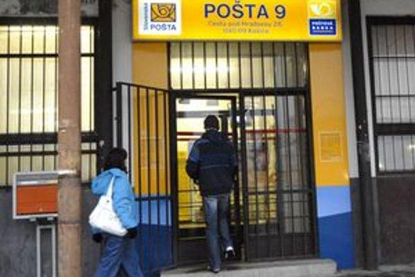 Pošta Košice 9. S jej dočasným zrušením nesúhlasili najmä starší ľudia.