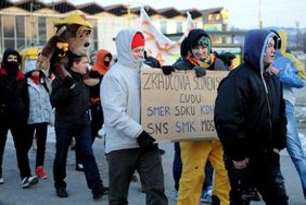 Protestujúci v Košiciach.