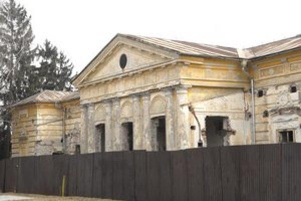 Krásna má v pláne zrekonštruovať miestny klasicistický kaštieľ.