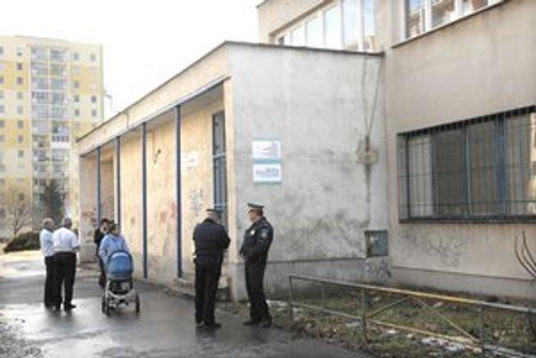 Tatranská 25. Zdravotné stredisko i mestská polícia.
