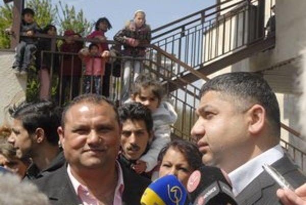 Gábor (vľavo) a Slepčík. Poslanec neverí, že by starosta bral drogy alebo bol ich dílerom.