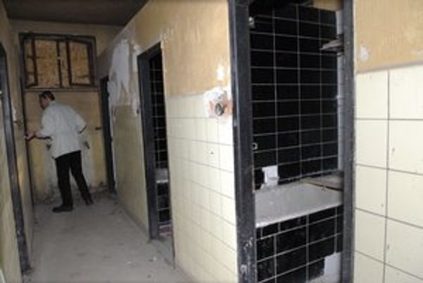 Vaňové kúpele. Slúžili najmä Staromešťanom, ktorí v byte nemali kúpeľňu.