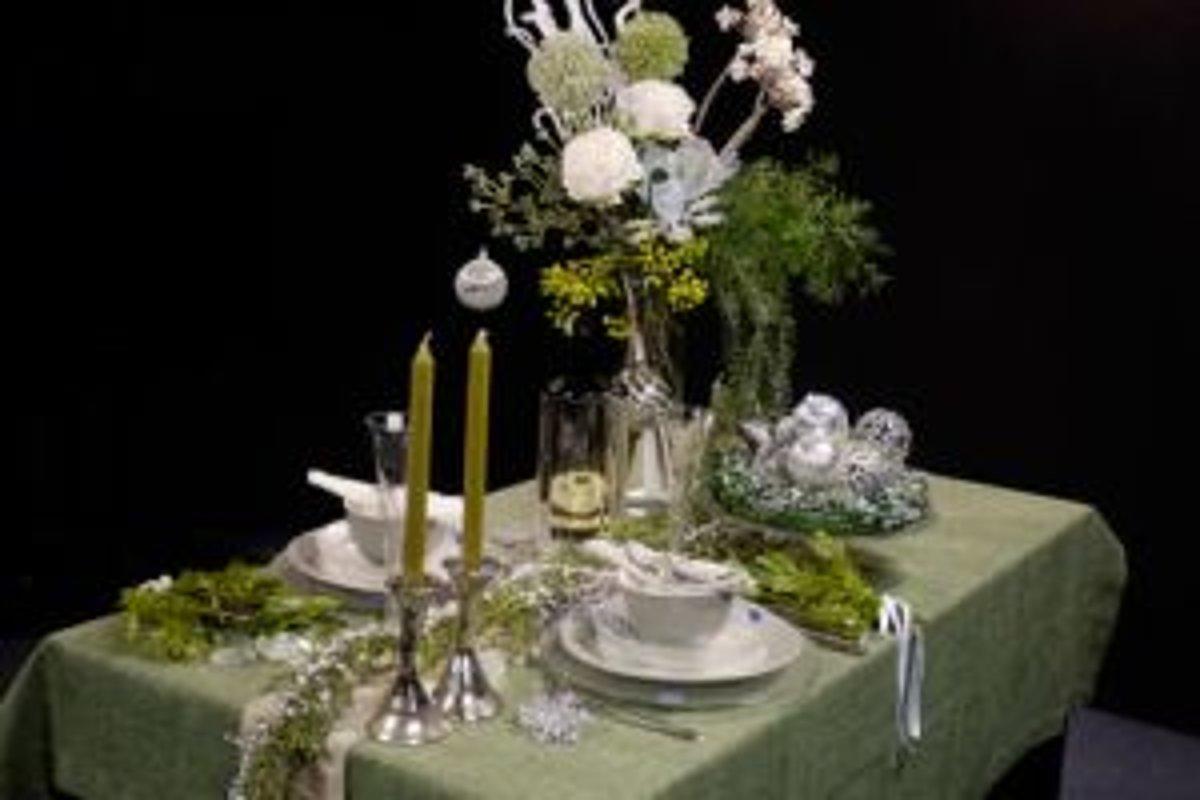 Ako vyzdobiť vianočný stôl - zena.sme.sk cfc5f08028e