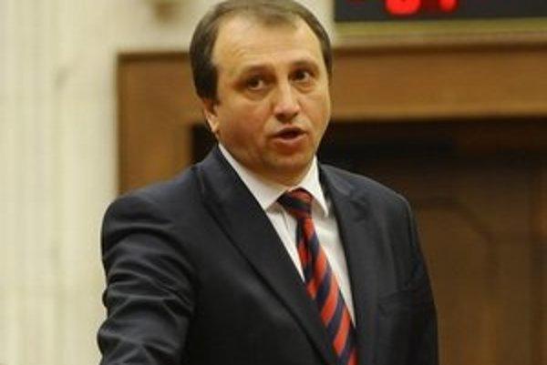 Námestníkom ministra práce, sociálnych vecí a rodiny bude exposlanec Smeru Jozef Burian.