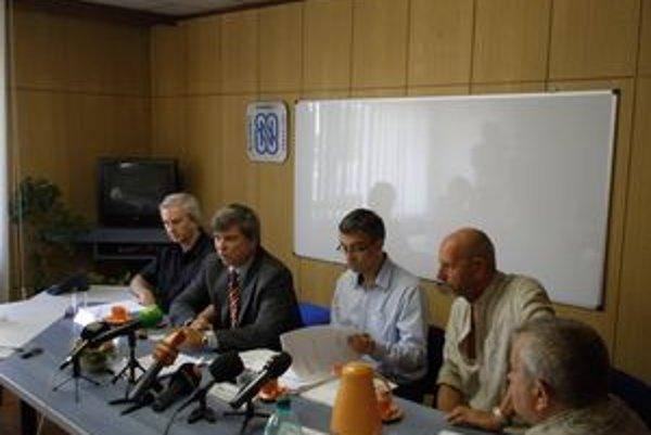 Petičný výbor. Jeho zámerom je posilnenie regionálneho vysielania cestou zmeny zákona o RTVS.