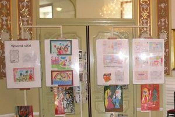 Zaslané kresby sú vystavené aj vo foyer budovy ŠD Košice.
