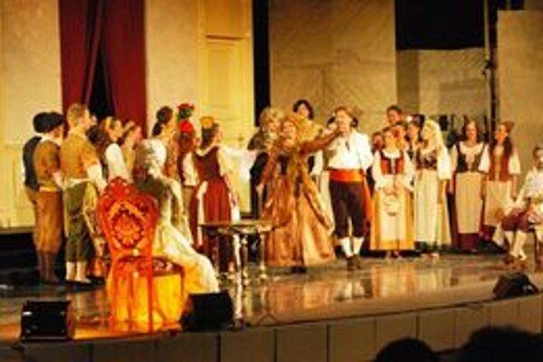 Figarova svadba. Predstavenie košickej opery sa v maďarskom jaskynnom divadle tešilo úspechu.