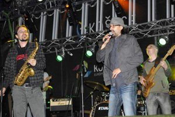 Groovin` Heads. Kapela má svoju stabilnú fanúšikovskú základňu.