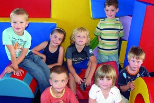 Zľava hore: Peťko (5), Pauli (5,5), Jakubko (5), Danko (5,5), Riško (5,5).Zľava dolu: Lukáško (5), Paulínka (4,5).