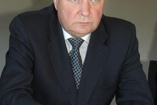 Župan Zdenko Trebuľa. Najvyššiu dotáciu dal na expozíciu vinárstva v Turni a jasovským premonštrátom.