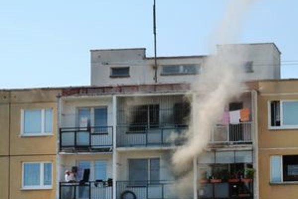 Na 8. poschodí na Juhoslovanskej ulici horela elektroinštalácia.