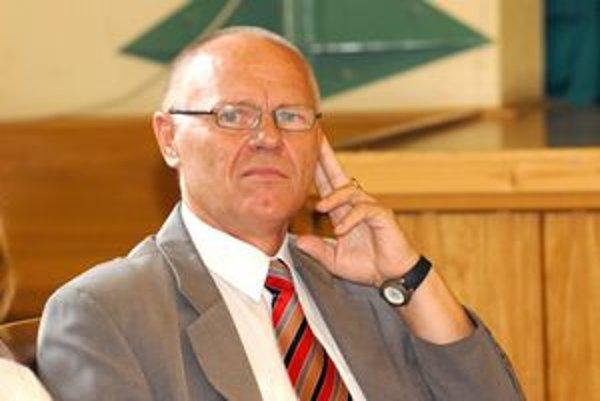 Pavol Hanušin (nezávislý). Expredseda finančnej komisie.