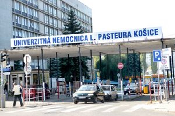 Pacienti zatiaľ bez obáv. Lekári v Košiciach majú zrejme iné starosti ako dávať výpovede.