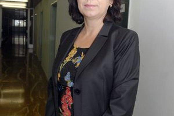 Iveta Marinová. Zo šéfky nemocnice urobil včera minister Uhliarik námestníčku riaditeľa.