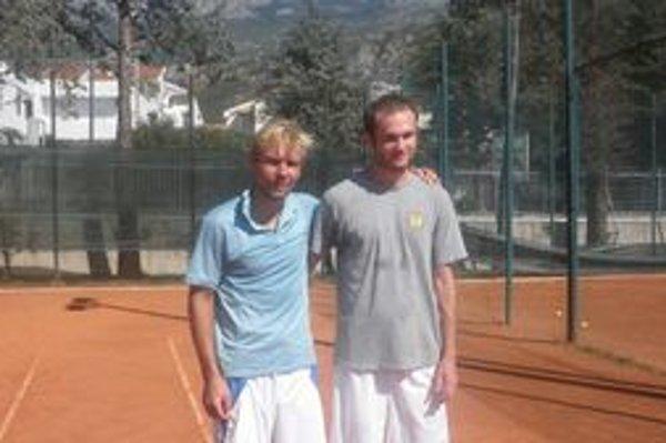 Tenisti bodovali na svetových majstrovstvách. Roman Rokytka  so spoluhráčom štvorhry Martinom Findurom.