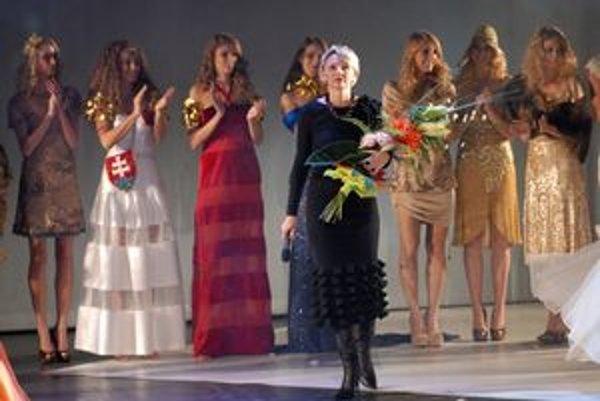 Ako sen. Modely Jany Berg sú originálne a nositeľné zároveň.