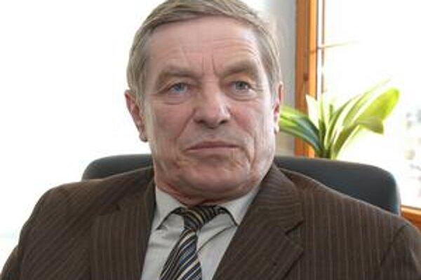Ján Gabštúr si starostovskú stoličku vo voľbách obhájil.