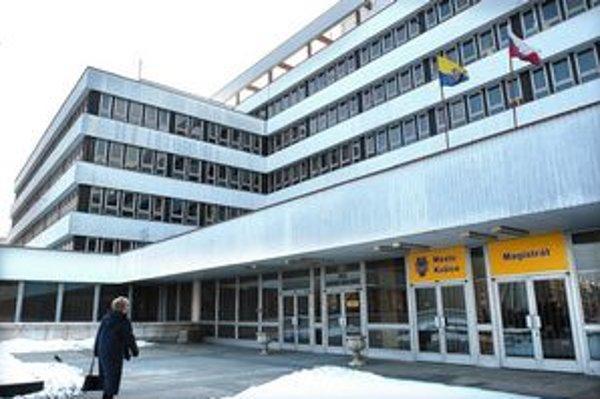 Zamestnanci košického magistrátu sa 10. januára výplet zrejme nedočkajú.