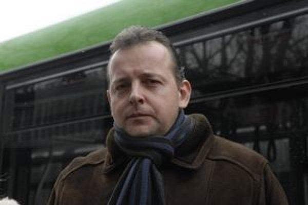 Predseda predstavenstva DPMK Igor Jutka odmieta, aby na štrajk doplatila cestujúca verejnosť.