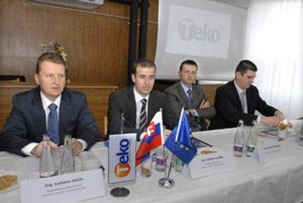 Vedenie TEKO z čias vlády Smeru. Ladislav Koch (zľava) je spolu s Lazárom a Hajdučekom dnes na magistráte, Slafkovský je riaditeľom mestskej firmy TEHO.